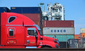 White House slams 'weak' Chinese tariff threat, 'lousy' economy
