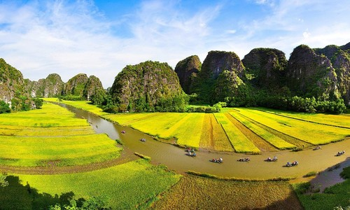 One-day tour to Ninh Binh, aka Ha Long Bay on land