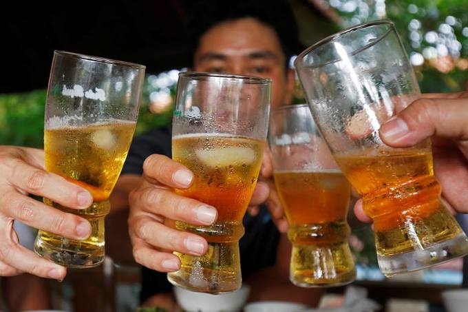 Beer binges a health problem, WHO warns Vietnam