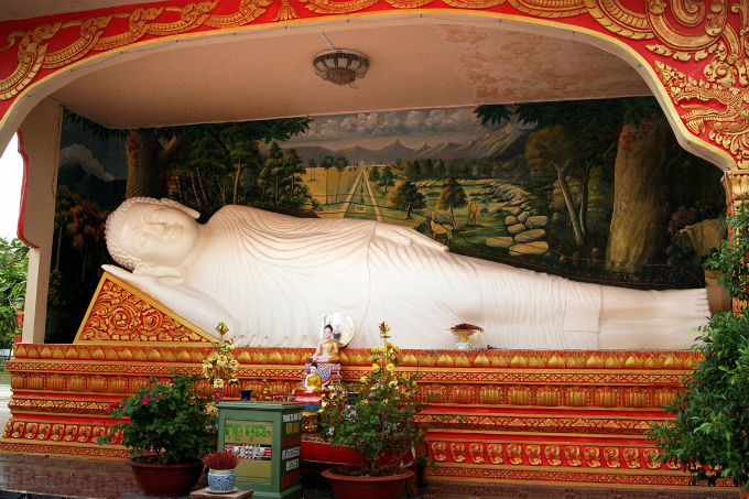 Take a look at the majestic Khmer pagoda in Southern Vietnam - 5