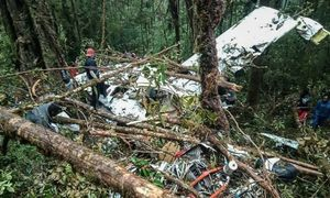 Eight bodies found in Indonesian plane crash