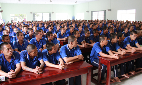 Vietnam rehab center inmates say they were tortured
