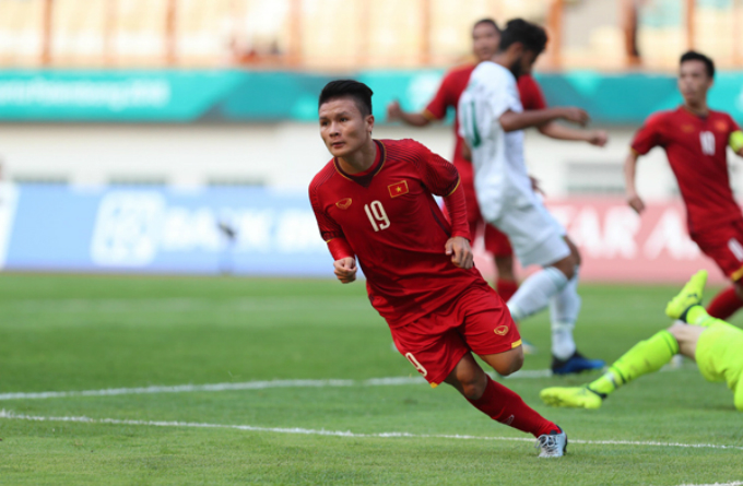 Nguyen Quang Hai reacts after scoring the first goal for Vietnam. Photo by VnExpress/Duc Dong