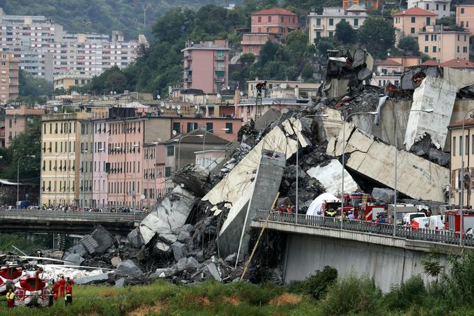 Italy motorway bridge collapses in heavy rains, killing at least 22