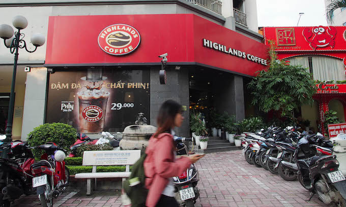 Global chains suffer as Vietnamese coffee lovers vote with their feet