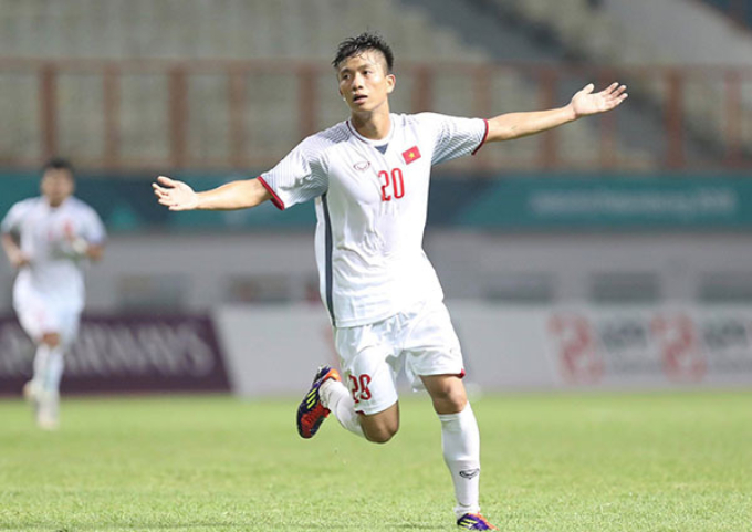 Phan Van Duc celebrates after scoring Vietnams second goal.