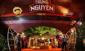 Vietnamese coffee royalty's divorce remains public spectacle
