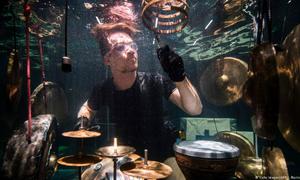 The underwater sound of 'Between Music'