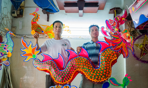 Saigon family helps light up mid-autumn fest with huge lanterns