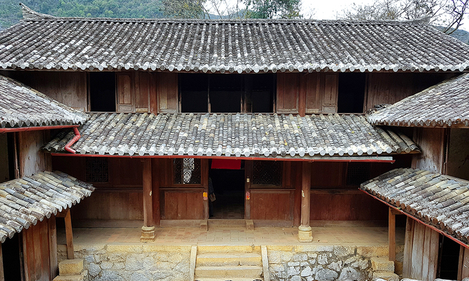 Probe ordered into handover of Hmong royal palace to gov't department