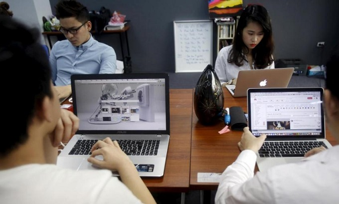 Most Vietnamese businesses dont particularly prioritize recruiting returnees, according to Ngo Thi Ngoc Lan, regional director of Navigos Search. Photo by Reuters