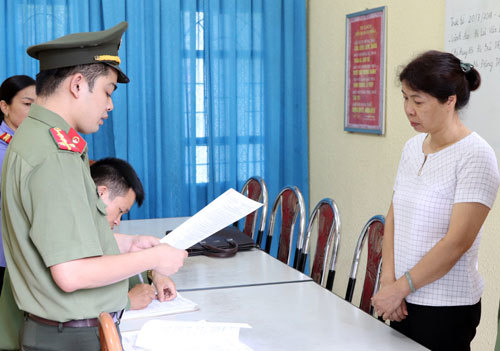Another official probed in Vietnam's national exam fraud