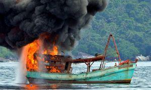 Indonesia sinks 86 Vietnamese fishing boats