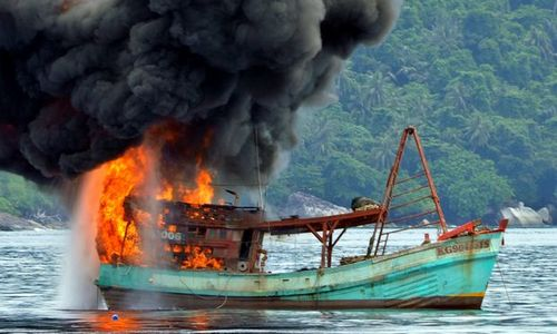 Indonesia sinks 86 Vietnamese fishing boats
