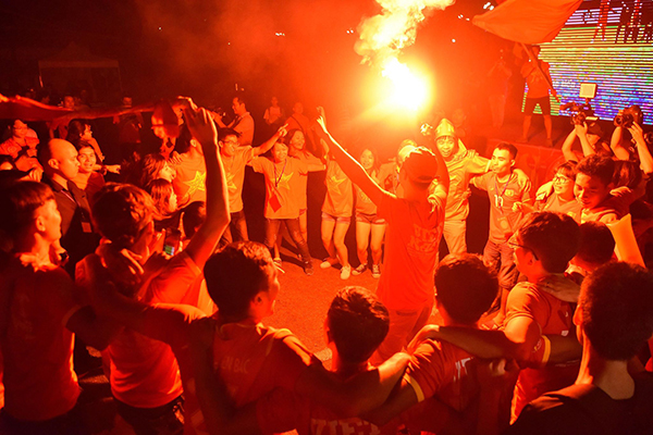 Fans flood Hanoi streets for celebration after Vietnam football teams victory