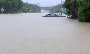 Six dead, thousands evacuated in Taiwan floods