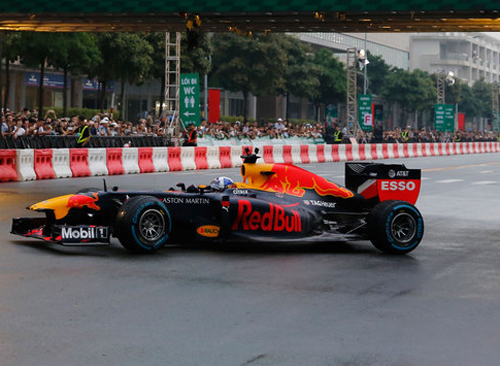 Hanoi proposes Formula One racing in national sports complex
