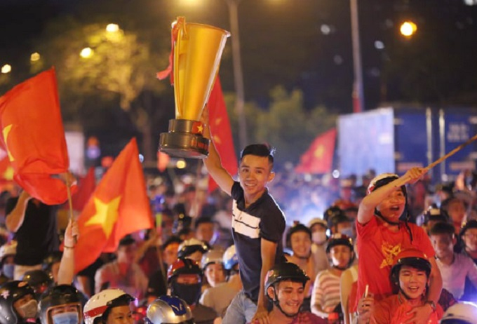Saigon fans cheer as Nguyen Van Toan found the oppositions net in the 108th minute.