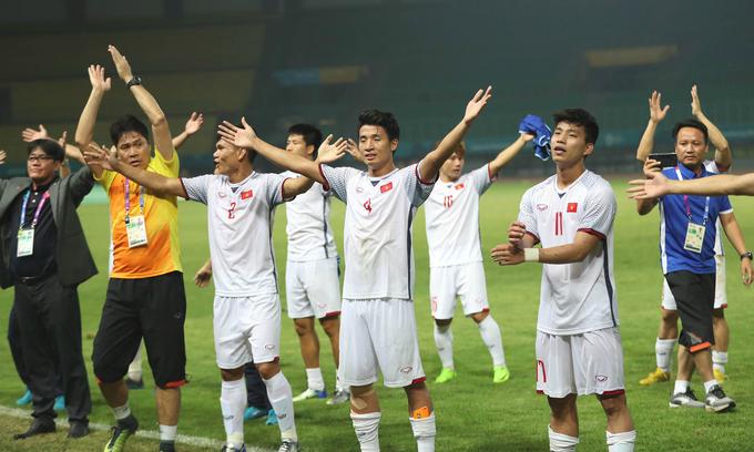 Asia applauds Vietnam's football feat