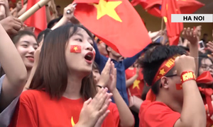 Hanoi, Saigon a sea of red as Vietnam plays Asiad semis
