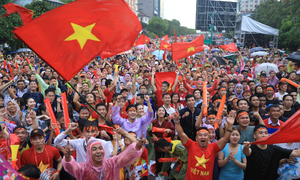 Don't lose hope, PM tells Vietnamese football team