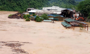 Three dead as flash floods strike north Vietnam