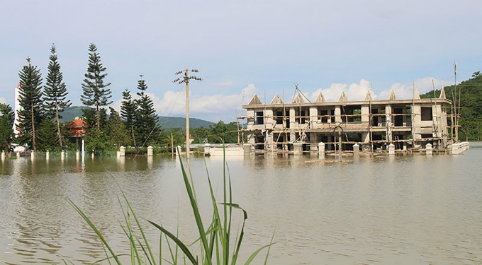 The wards headquarter, which is under construction, was overflowed in the flood waters.