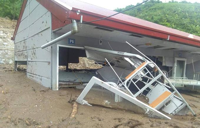 Floods destroyes homes, roads in border province (hari edited)