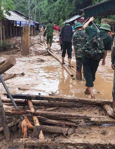 Floods destroyes homes, roads in border province (hari edited) - 8