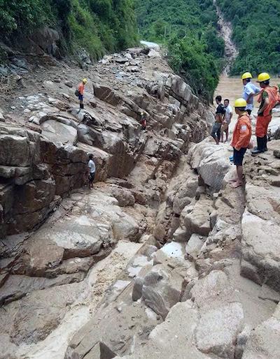 Floods destroyes homes, roads in border province (hari edited) - 10