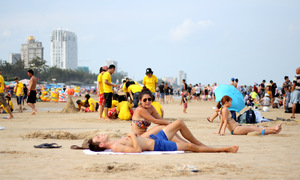 Vietnam tourist destinations overrun by vacation crowds