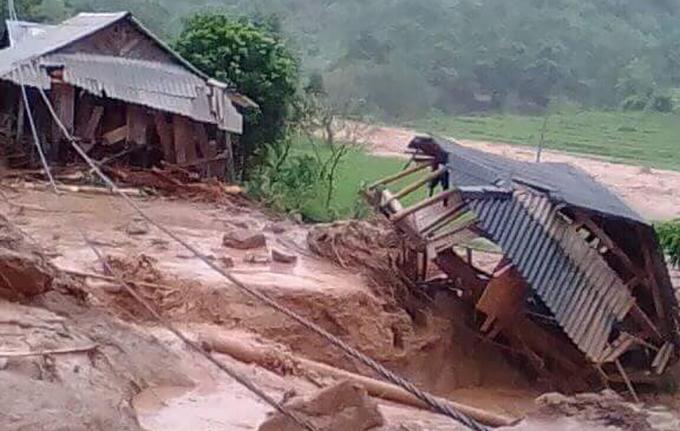 Floods destroyes homes, roads in border province (hari edited) - 1