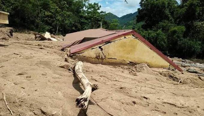 Floods destroyes homes, roads in border province (hari edited) - 3