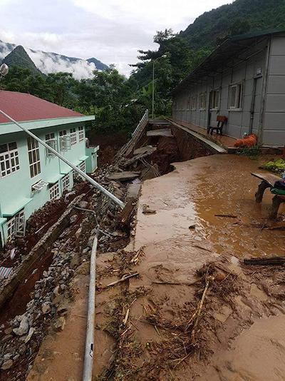 Floods destroyes homes, roads in border province (hari edited) - 6
