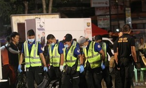 Bomb kills one and injures 15 in cafe in southern Philippines