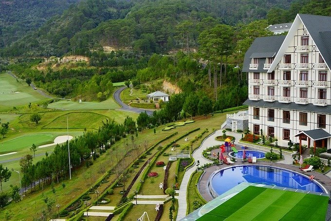 Skilled staff shortage cramp Vietnam's upscale hotels