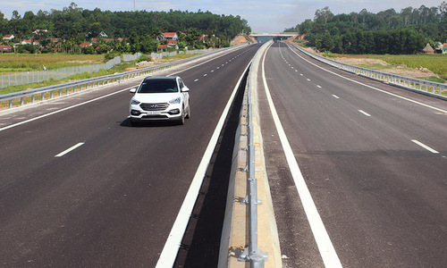 Central Vietnam joins the expressway club