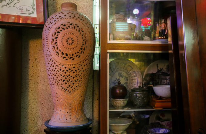 Century-old Saigon pagodas dazzling pottery collection - 8
