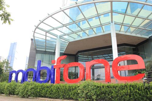 Vietnam gov't agencies on the mat in Mobifone TV deal