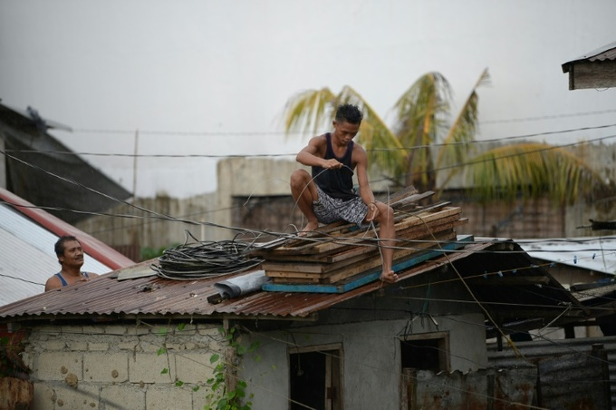 Super Typhoon Mangkhut smashes into Philippines, forecast to move on to Vietnam