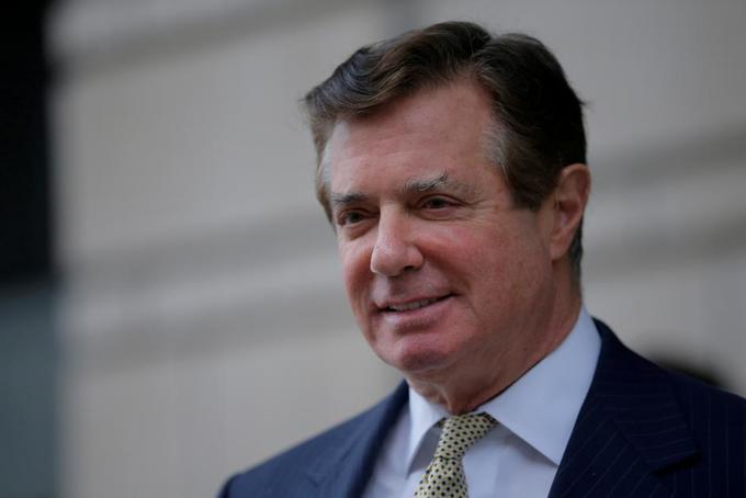 Trump ex-campaign head Manafort changes mind, cooperates in Russia probe