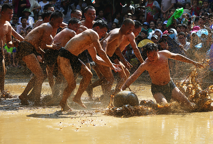 Vietnam's mud ball wrestling a unique world tradition