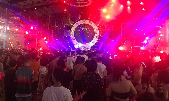 Seven die of suspected overdose at Hanoi music fest