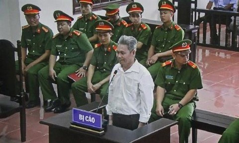 Dao Quang Thuc stands trial in Hoa Binh on Wednesday. Photo by Vietnam News Agency