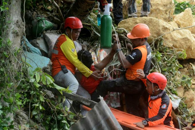 12 killed, dozens missing in new Philippine landslide