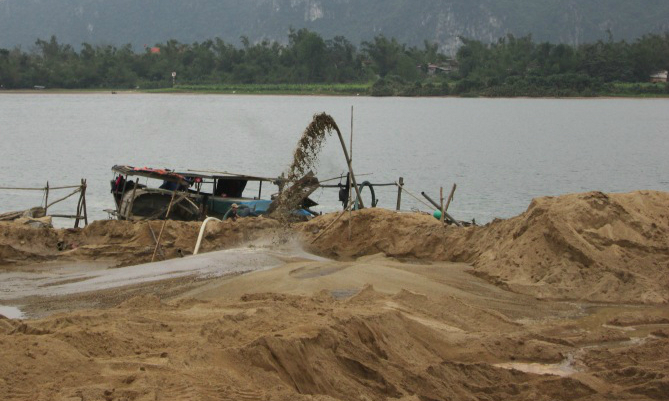 As sand mining grows, Asia's deltas are sinking, water experts warn