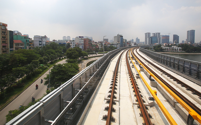 Hanois first elevated railway line running from Cat Linh to Ha Dong with funding from the Chinese government. Photo by VnExpress