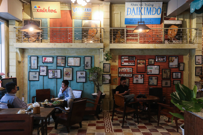 A Saigon café where a thousand things can talk to you