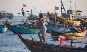 Vietnamese fishermen rescued after two days adrift off Malaysian coast