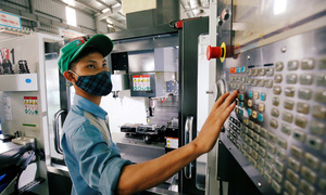 Vietnam's actual FDI rises 6 pct in first 9 months